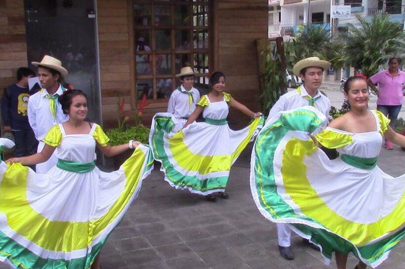 Folkloric dances in Bucay Ecuador